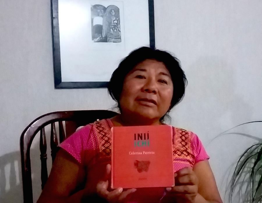 Celerina Sánchez y su poemario