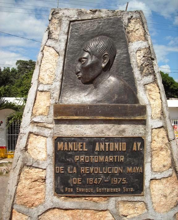 Monumento a Cecilio Chi, en su natal Chichimilá