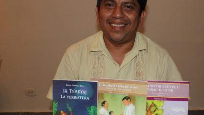 Felipe Castillo Tzec, escritor que narra desafíos cotidianos del pueblo maya