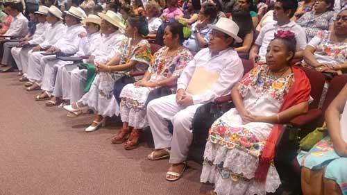 Un aspecto de la certificación de intérpretes, ayer en la Fiscalía, en Mérida. Fotografía de Inali.