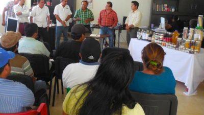 Saberes mayas unen a campesinos mayas y universitarios