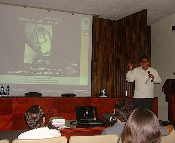 Vicente Vargas, en el auditorio Cepeda Peraza, de la UADY.