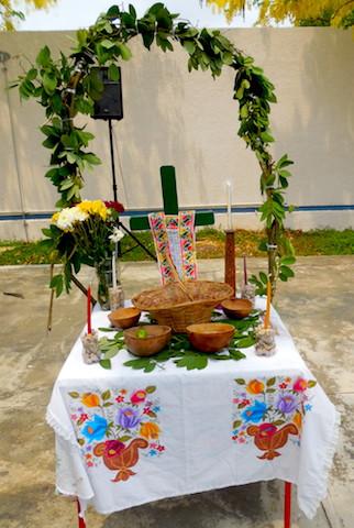 Altar maya colocada en la Feria de semillas en Veterinaria de la UADY