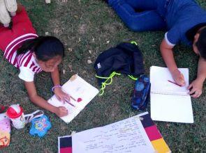 """""""Abren"""" al aire libre una escuelita de lengua maya para niños en Mérida"""