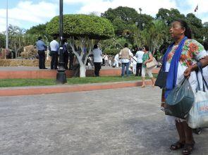 La lengua maya, una mujer que ha emigrado a la ciudad