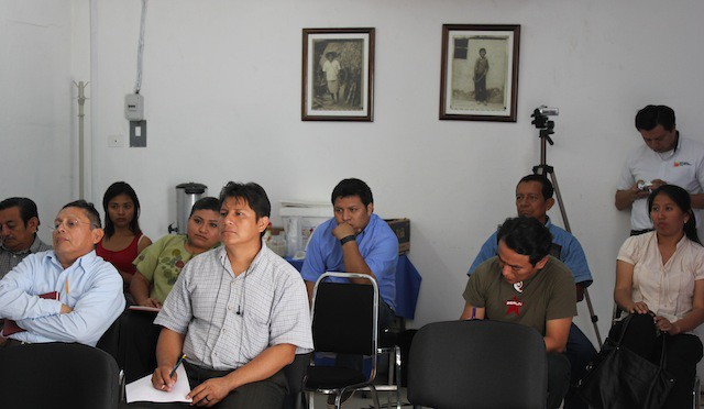 Algunos de los participantes en el evento de la CDI-Yucatán.
