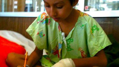 Un pequeño fan de los aluxes que lucha contra el cáncer