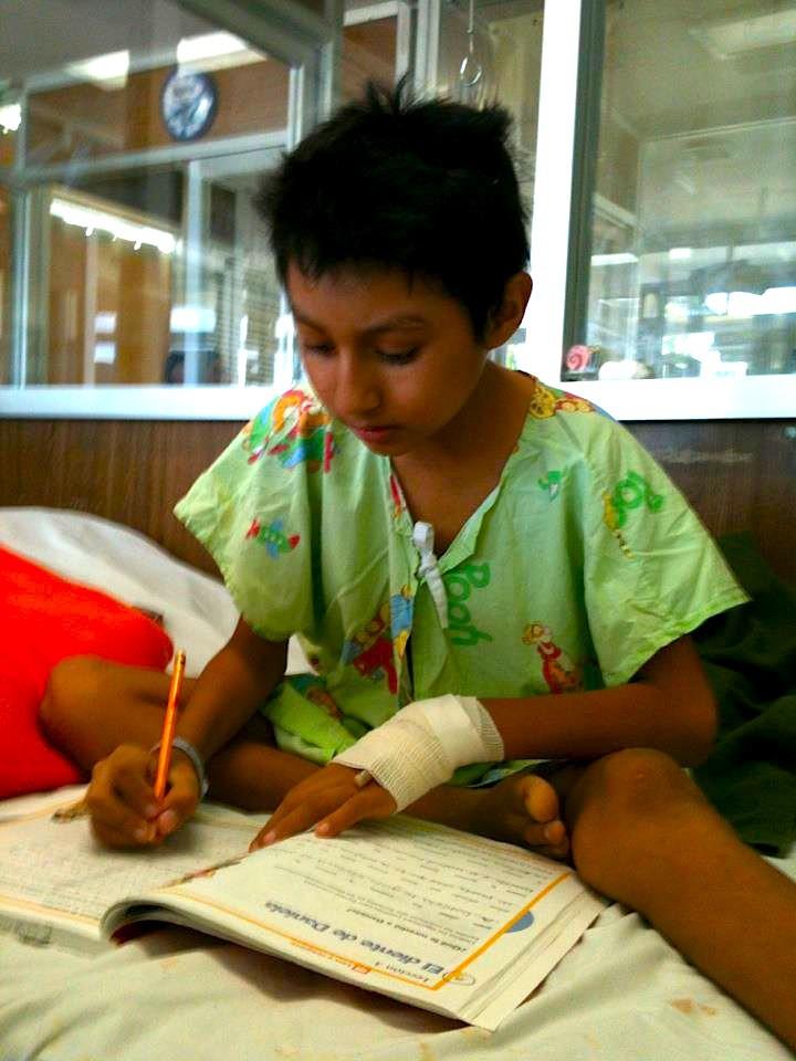 Fernando Pacheco aprende mientras recibe tratamiento en el O'Horán.