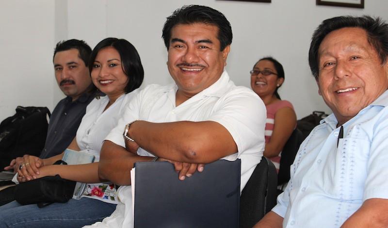 De derecha a izquierda, Armando Cauich, Daniela Esther Cano Chan, Fidencio Briceño Chel y Macedonio Martín Hau, momentos antes de su exposición sobre la enseñanza de la lengua maya, en la CDi Yucatán.