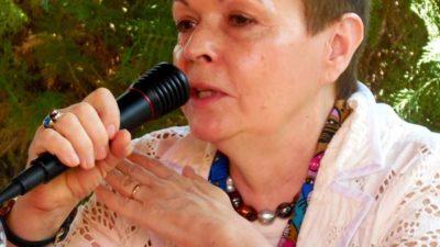 Gran interés en aprender la escritura glífica de los mayas