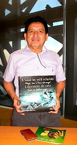 Jorge Cocom posa para el Chilam Balam, en el Gran Museo Maya de Mérida.