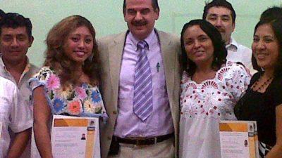 Una mujer, la primera certificada como intérprete maya de Q. Roo