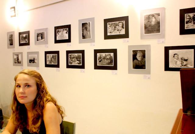 Rebecca Haydu, en el café Mamoto, Mérida